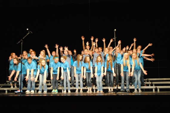 The Treble Makers end their portion of the concert with an ending pose.